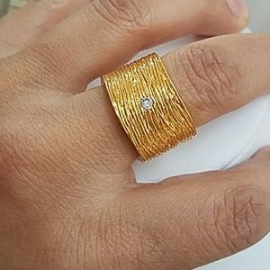 Jewelry - Yellow Gold Plated Band Ring size 8